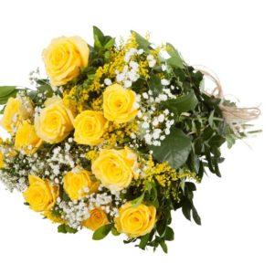 Bouquet di rose gialle e fiori di mimosa